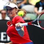 Makarova surpreende Halep e faz semi do Australian Open contra Sharapova, que venceu Bouchard
