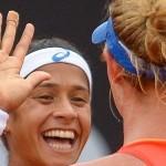 Bia Haddad e Teliana Pereira vencem na estreia da chave de duplas do Rio Open