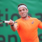 Ghem e Clezar estreiam nesta 2a. no quali de Wimbledon. Demolinar joga duplas