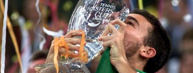 Guga é campeão do mundo. Lisboa 15 anos atrás.