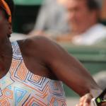 Irmães Williams vencem francesas e chegam às oitavas de final em Roland Garros